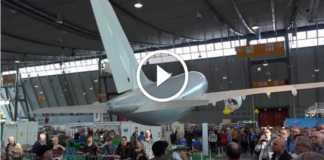 devasa uçak