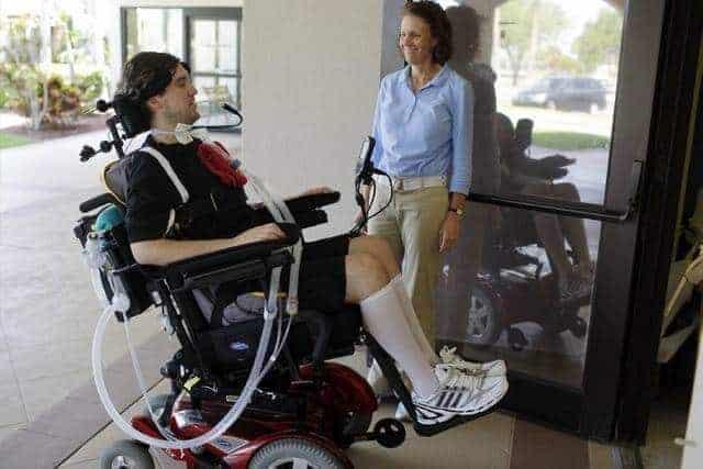 dil kontrollü tekerlekli sandalye