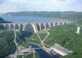 sürekli kemerli baraj daniel johnson kanada