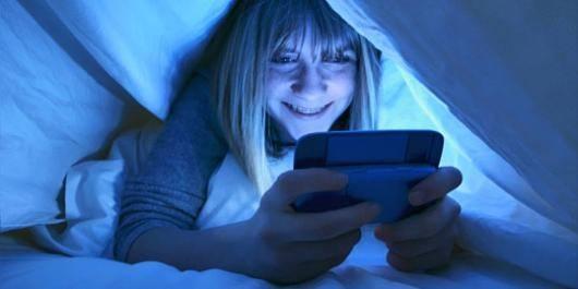 gece telefonla uyumanın zararları