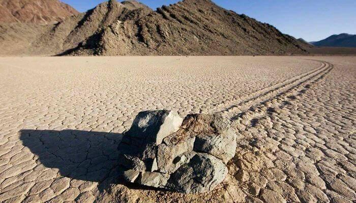 yürüyen kayalar