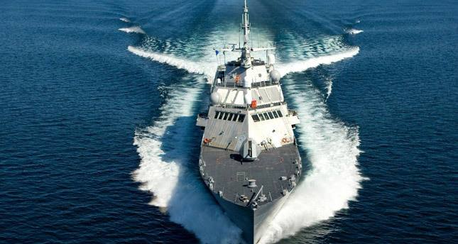 bir bardak suda yuzen gemi Gemicilikte Demir Tipleri ve Demir Atma Hakkında Bilgi