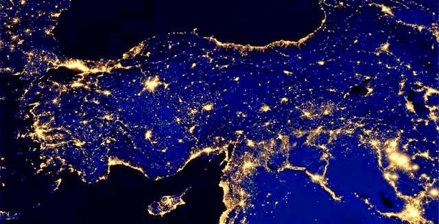 uzay-turkiye-gece-fotografi.jpg