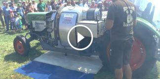 600HP Radyal Uçak Motoruna Sahip Traktör