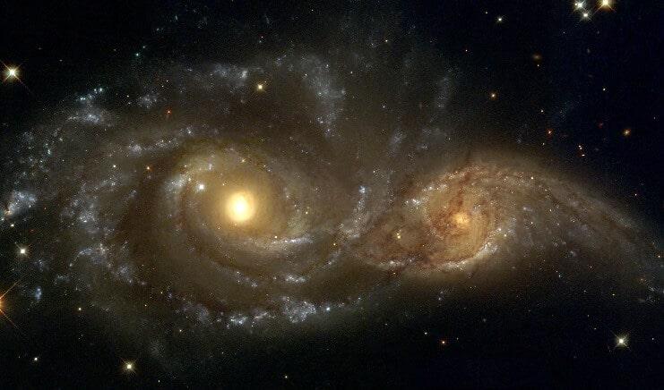galaksilerin-carpismasi.jpg