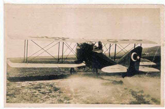 Vecihi k6 turk uçağı