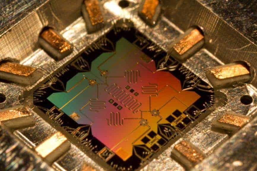 Kuantum bilgisayarlarda hangi teknoloji kullanılır