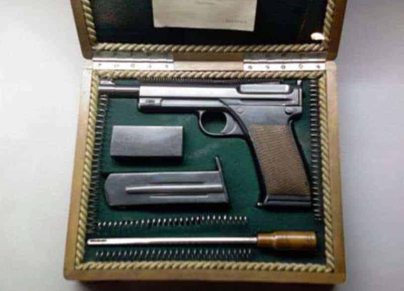 Nuri Killigil Paşa tabancası