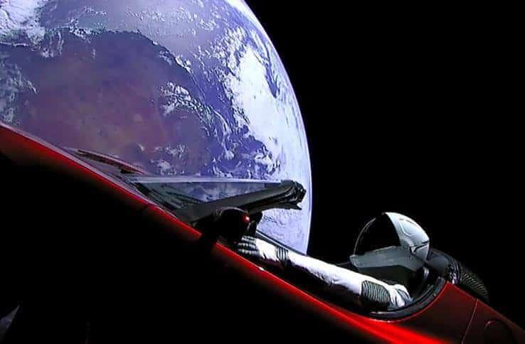 Uzayın İlk ArabasıUzayın İlk Arabası
