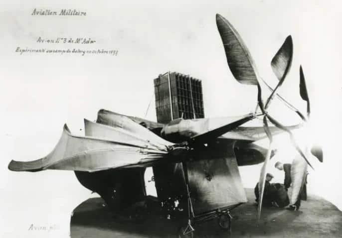 Clement Aderin uçağı