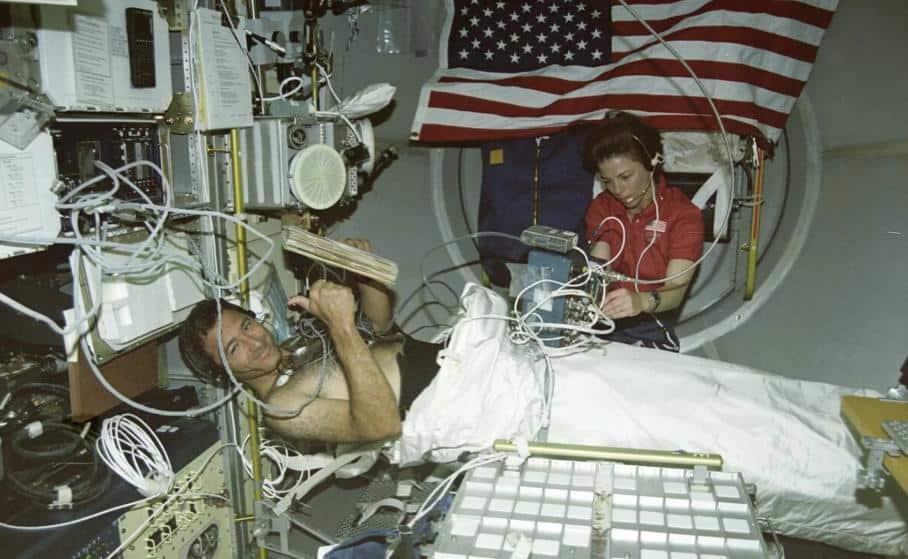 Uzayda Cerrahi Operasyon Gerçekleştirmek